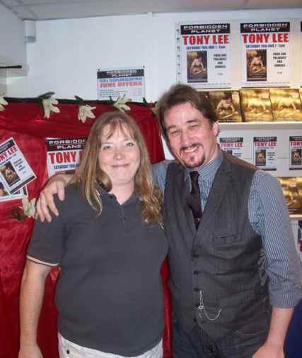 [Tony Lee meets fans at FP Birmingham ]