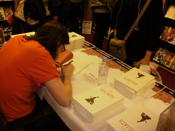 [Gauld signing 3 ]